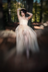 Lensbaby, Portrait, Colour, bochum, photographer, fotograf, fotografin, sensual, beauty, schönheit, model, wald, forest, cosplay